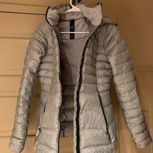Never worn lululemon size 6 down jacket